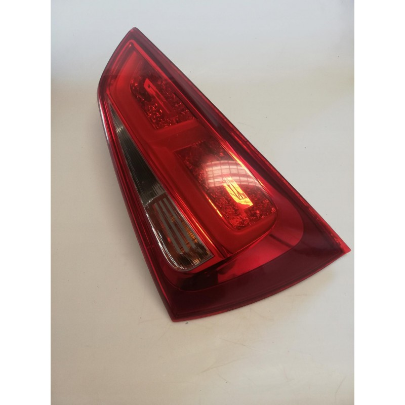 LAMPA TYLNA AUDI A1 8X0945094E